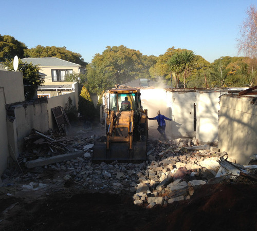 Starting the demolition works, breaking down the walls by section